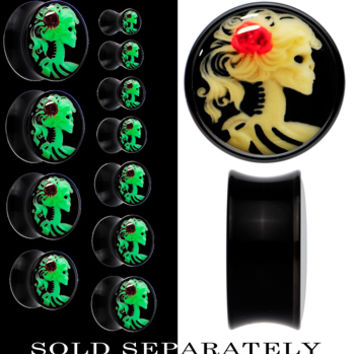 Red Rose Skeleton Cameo Glow in the Dark Saddle Plug in Black Acrylic | Body Candy Body Jewelry