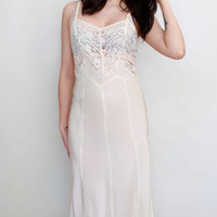 ON SALE Vintage 1950s Ivory Lace Negligee Nightgown Slip  - Size XS to Small