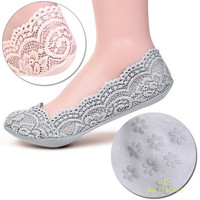 Women's Cotton Lace Antiskid Invisible Liner Low Cut Socks