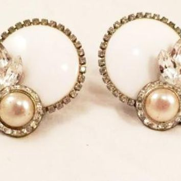 Bold Vintage Jewelry White Rhinestones Pearls Clip on Earrings