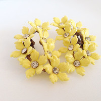 Sunny Yellow Blossom Rhinestone Earrings - Molded Plastic clear rhinestones Flowers Daisy Daisies Bouquet bright light clips clipon clip-on