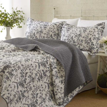 King Size 3-Piece Reversible Quilt Set in 100% Cotton Grey White Floral Design