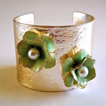 24 Karat Goldplated Pewter Cuff Bracelet, KARINE SULTAN, Enamel Flowers, Glass Pearls, Vintage