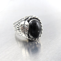 Vintage Sterling Black Onyx Ring, Unisex Mexican Biker Ring, Applied Leaf Etched Rope Twist Large Onyx Cabochon Statement Ring, Size 10