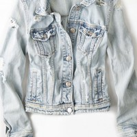 AEO Women's Light Destroyed Denim Jacket (Light Wash)