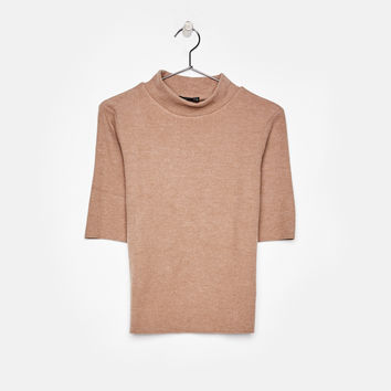 Ecologically grown cotton T-shirt with high neck - Tees - Bershka United States
