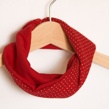 Baby dribble bib. Stylish scarf bib. Infinity baby scarf. 100% cotton. Baby, teen, adult. Red with dots
