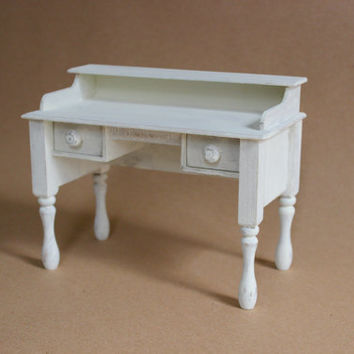 1/6 scale Desk for dolls (Blythe, Barbie, Bratz, BJD, Momoko). Shabby chic