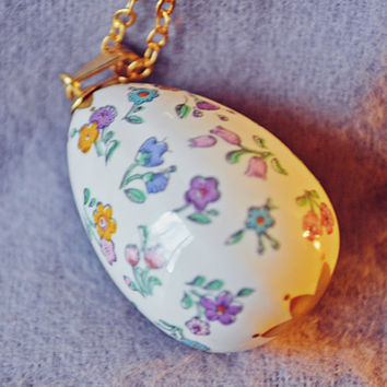 Franklin Porcelain Egg Necklace, Floral Egg Necklace, Collectible Jewelry, Easter Gift