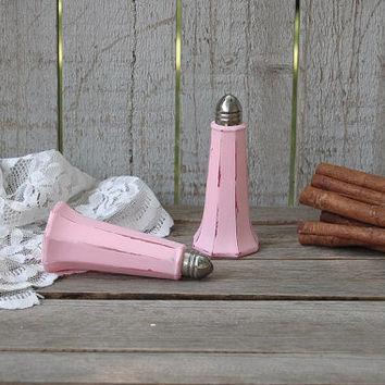 Salt and Pepper Shaker Set, Pink, Eiffel Tower, Shabby Chic, Glass, Stainless Steel, Upcycled, Painted