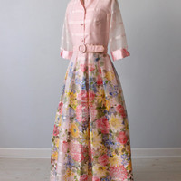 Formal Dress / Full Length / 1970s / Floral Print / Pink / Winsome / Small