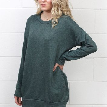 Oversized Sweatshirt Tunic w/ Pockets {Hunter Green}
