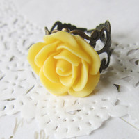 Yellow Flower Cameo Ring - Filigree  Rose Cabochon