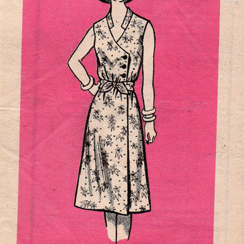 Retro 80s Marian Martin Sewing Pattern Classic Style Wrap Dress Band Collar Off Side Button Front Tie Waist Uncut FF Bust 34