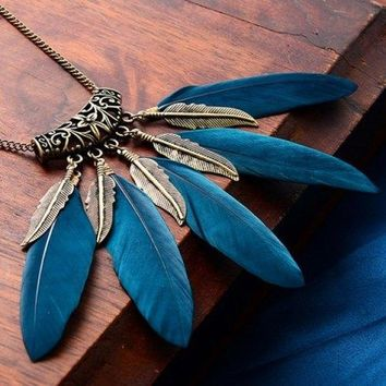 Punk Style Faux Feather Leaf Sweater Chain For Women - Blackish Green