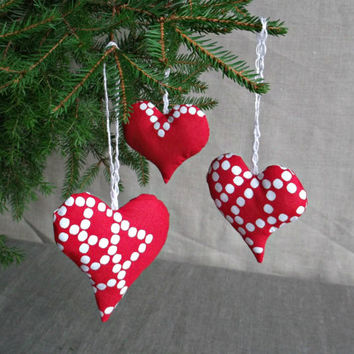Holiday home hanging decor white  doted stuffed fabric hearts  Christmas tree ornaments Set of 3