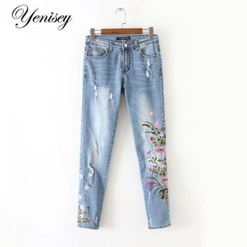Chen, 60-1628, Europe and America fashion wind, chrysanthemum embroidered jeans 0606