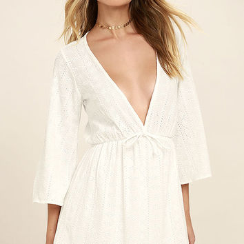 Easy on the Eyelets White Lace Cover-Up
