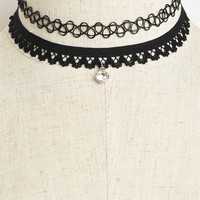 Center Stone Choker (Crochet Lace)