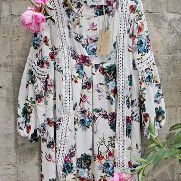 Gypsum Floral Tunic in Sage