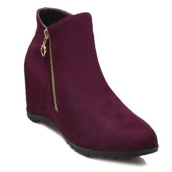 Fashion Women's Short Boots With Flock and Zipper Design