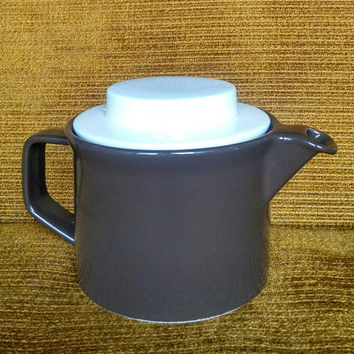 Vintage Country Cupboard Tea Pot- Brown with White Lid by Johnson Brothers Made in England