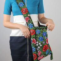 Textile bag with embroidery