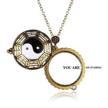 Retro Hollow Yin and Yang Gossip Magnifying Glass Necklace