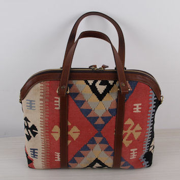Vintage Kilim Bag made of Turkish Kilim Bohemian Bag with Vintage Look Embroidered Patterns for Women Bags Shoulder Bag with Brown Leather