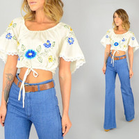 vtg 70's Yucatan EMBROIDERED FLORAL bohemian hippy Mexican flutter sleeve CROPPED blouse top, medium-large