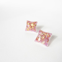 RADIANT ORCHID and gold flakes square stud EARRINGS. Elegant geometric with gold leaf resin studs