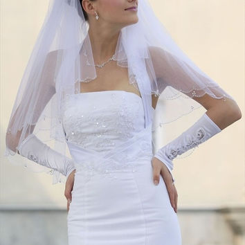 Bridal Veil Ivory 2 Tiers Fingertip Length Scallop Edge In Beads With Clear Drop