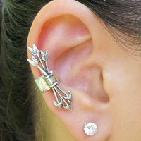 Hunger Games Inspired Quiver And Arrows Ear Cuff Silver Non Pierced Ear Cuff