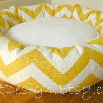 "One-Piece 18"" - Dog Bed - Cat Bed - Yellow & White Zig Zag, Chevron with Soft Minky Center"