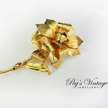 Unique VINTAGE Signed CORO Pin Brooch Large Gold tone Flower Jewelry
