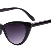 Ultimate Cat Eye Sunglasses - Black