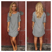 Black & White Small Chevron Print Shift Dress