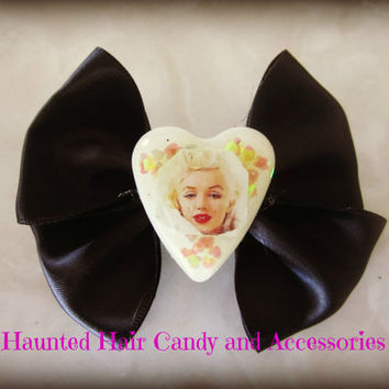 Marilyn Monroe Vintage Beauty Queen Haunted Hair Candy Bow Clip