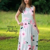 Lara Fashion Light Gray and Coral Floral Print Sleeveless Maxi Dress - Boutique At Audrey's