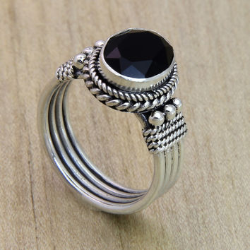 Onyx crown ring, 'Bali Glow'