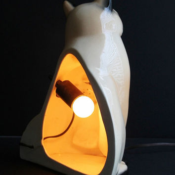 Mid Century Claes Pottery Siamese Cat TV Lamp / Hand Painted Eyes Glow / Retro 1950s Eames Era Mod Kitsch / CLAES 1954 Hirsch Manufacturing