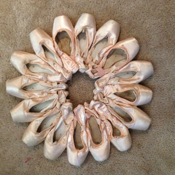 Custom boutique ballerina pointe shoe wreath by Foreverlydaye