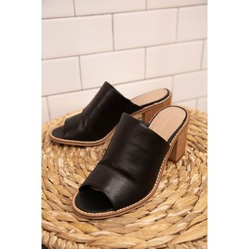 Carlin Leather Mule, Black | Chinese Laundry