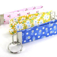 Key Chain Wristlet, Rose Buds, Daisies, Flowers
