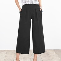 Banana Republic Pleated Gaucho Pant