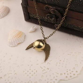 Fashion Harry Potter Necklace Vintage Style Angel Wing Charm Golden Snitch Pendent Necklace For Men Necklace Tainless Chain