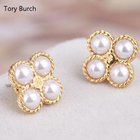 Tory Burch Fashion New Pearl Four-Leaf Clover Metal Women Personality Earring Golden