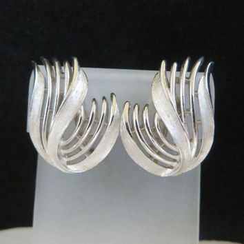 Trifari Leaf Earrings, Vintage Silver Tone Upswept Leaf Clip ons Signed Crown Trifari Jewelry Gift for Her