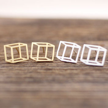 3D Cube Square stud earrings in gold / silver, E0075G