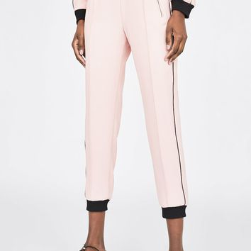 FLOWY PANTS WITH CONTRASTING TRIMSDETAILS